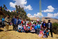 Instalan antenas para que escolares de comunidades rurales de Cusco tengan Internet
